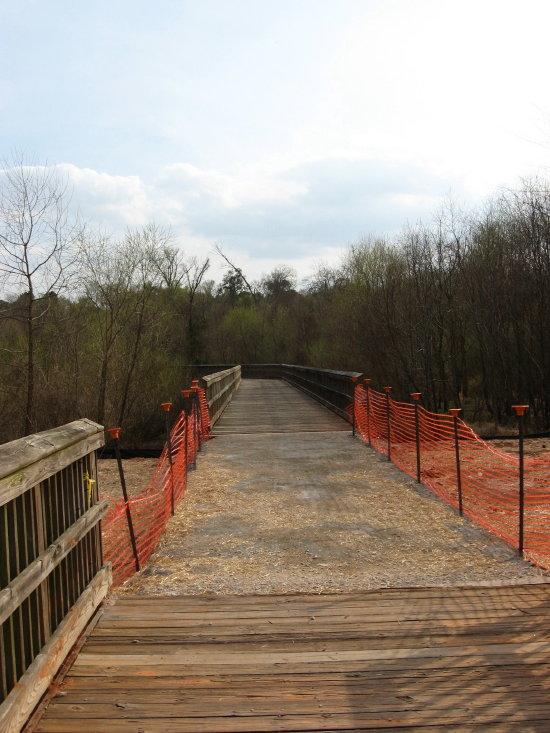 sewer dam bridge on causeway_1_1